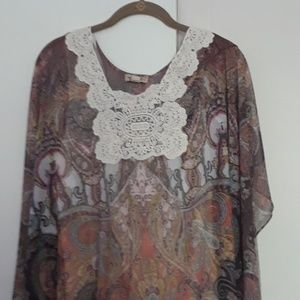Nwt size med Layered top by oneworld